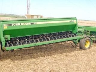 John Deere 450 Drills w  fertilizer boxes