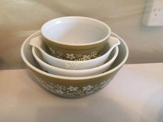 4 Pyrex Bowls   Green