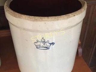 Crown Pot   10 x 11