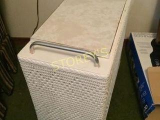 Flip Top Whicker Bench   Basket   11 x 20 x 16