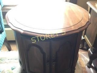 25  Round Side Table