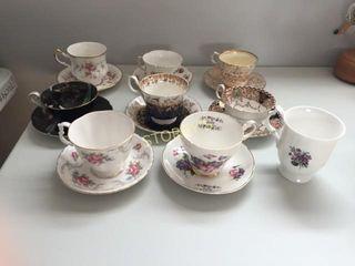 8 Asst Tea Cups   Saucers