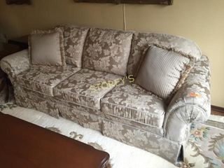 Couch   7  x 34