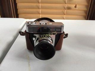 Zeiss Ikon Camera w  Bag