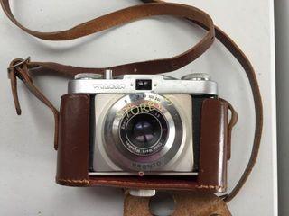 Vintage Camera w  Bag