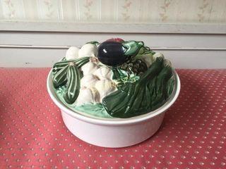 Vegetable lid Serving Bowl
