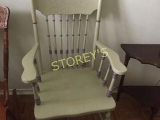 Antique Style Spindle Back Arm Chair