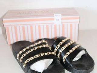 WIlD DIVA lOUNGE SlIPPERS SIZE 10