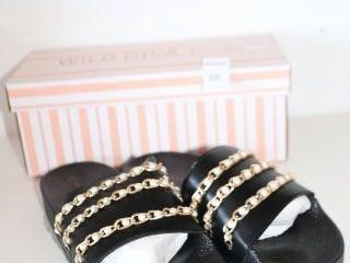 WIlD DIVA lOUNGE SlIPPERS SIZE 9