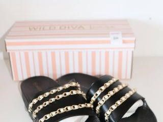 WIlD DIVA lOUNGE SlIPPERS SIZE 8