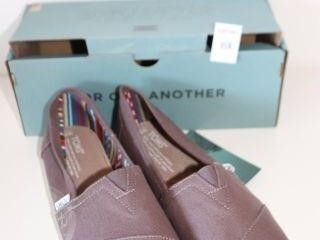 TOMS WOMENS SHOES SIZE 8 5