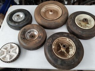lOT   ASSORTED SMAll TIRES