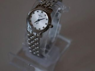 SEIKO WOMENS CRYSTAl ACCENT STAINlESS STEEl WATCH