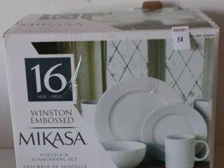 16PIECE MIKASA WINSTON EMBOSSED PORCElAIN