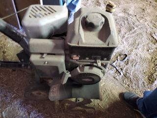 Craftsman 5 5 HP Front Tine Tiller   Pulls Good   Not ran in a couple years