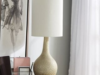 Catalina Ava 31  Champagne Silver Hammered Table lamp  Retail 98 99