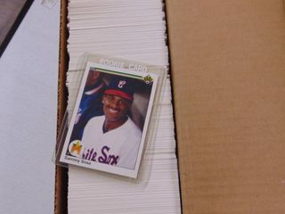 1990 Upper Deck Baseball Card near set  800  with stars and rookies Sosa  Walker
