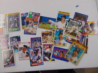 Don Mattingly Yankees 30 Baseball card lot