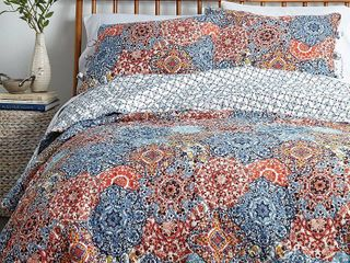 levtex Home Emari Quilt Set with Shams  Full Queen  Retails 69 99