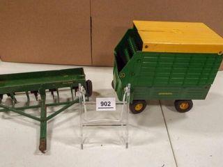 John Deere Drill  Silage Wagon
