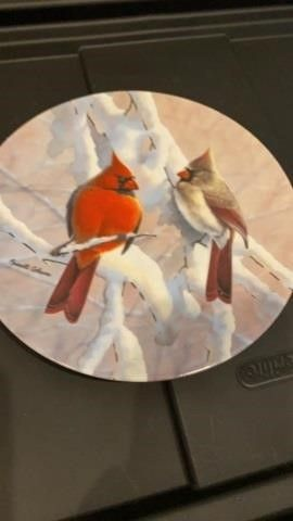 CARDINAlS ON A SNOWY BRANCH  PlATE