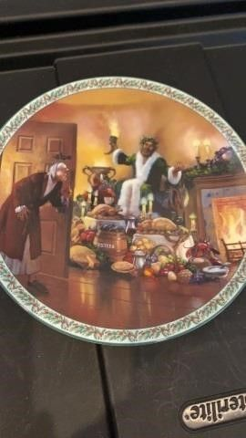 THE GHOST OF CHRISTMAS PRESENT PlATE BY BRADFORD