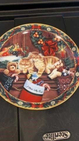 COZY KITTENS PlATE BY BRADFORD EXCHANGE
