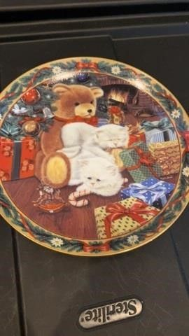 NOT A CREATURE WAS STIRRING  PlATE BY BRADFORD