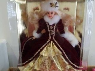 1996 HAPPY HOlIDAYS BARBIE  STAND INClUDED