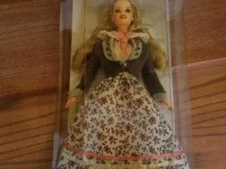 AUSTRIAN BARBIE DOllS OF THE WORlD COllECTION
