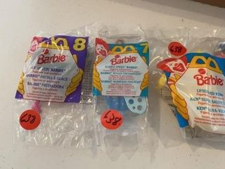 MCDONAlDS ICE SKATING   BUBBlE ANGEl BARBIES AND