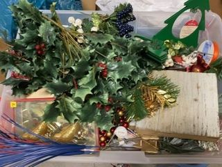 BOX OF CRAFT ITEMS FOR CHRISTMAS