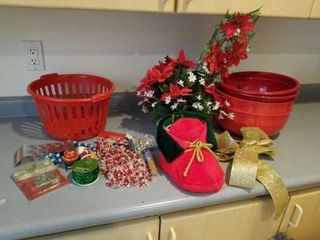 4 RED BOWlS  RED BASKET  MISCEllANOUS CHRISTMAS