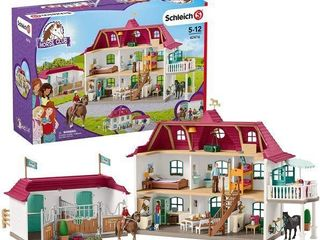 SCHlEICH HORSE ClUB lAKESIDE COUNTRY HOUSE