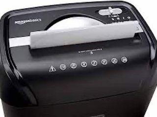AMAZON BASICS 12 SHEET CROSS CUT PAPER SHREDDER