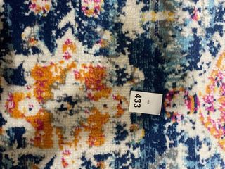 SPlACE AREA RUG APPROX 2 3FT X 4 FT