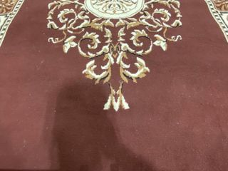 ROYAl DESIGN AREA RUG APROX 100X70 INCHES