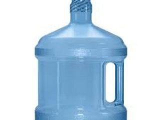 REUSABlE PlASTIC WATER BOTTlE  2 GAllON