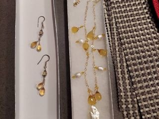 3 Pc Jewelry Set   Necklace and Earrings