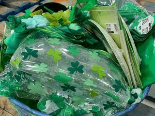 Jumbo Basket   St  Patrick s Day Decorations   Accessories