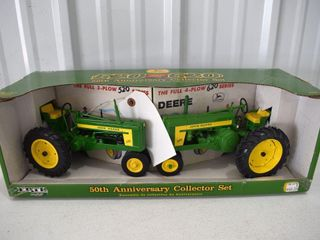 Ertl 50th Anniversary Collector Set, John Deere 520 and 620 Tractors, 1/16, with box