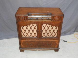 Electrohome Model 145A Radio Phonograph Combo