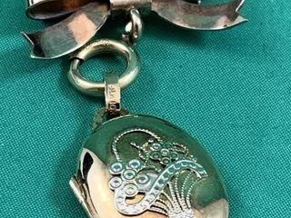 Brooch locket
