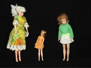 lot   3 Dolls