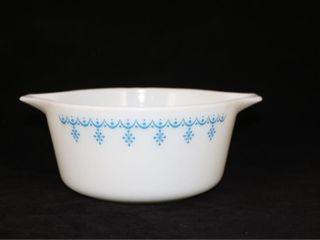 Pyrex Snowflake Casserole 1 5 qt Dish