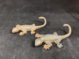 2 Cast Salamanders