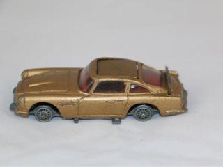 Vintage Diecast Toy Corgi James Bond Aston Martin