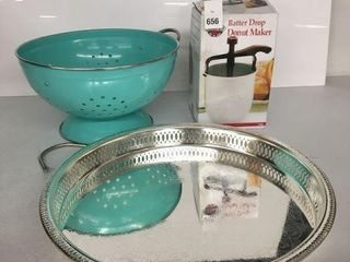 FINAl SAlE  ASSORTED KITCHEN ITEMS WITH BROKEN
