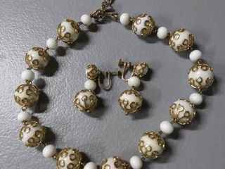 Vintage Necklace   Earring Set