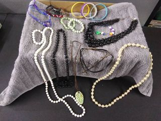 Jewelry lot of 14
